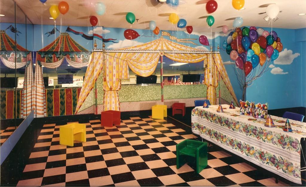 Party room at Massapequa Bowl